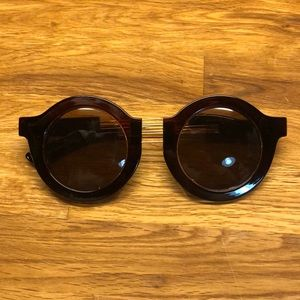 Vintage oversized double gold bar round sunnies